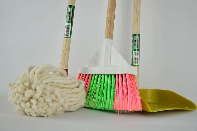 clean your house to get rid of baby roaches
